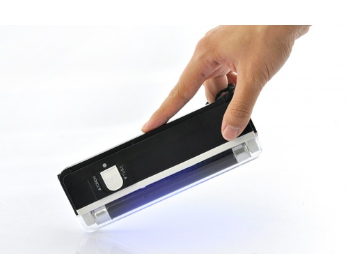Φωτισμός UV τσέπης (Wood Light)